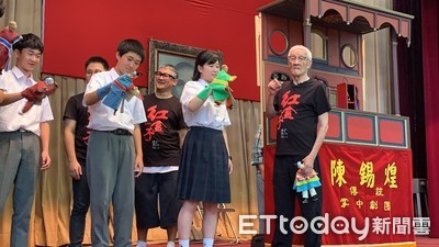 陳錫煌用布袋戲圈粉日本小學生!
