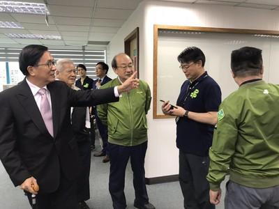韓國瑜11月訪美 陳致中撿到槍轟:鬼混!