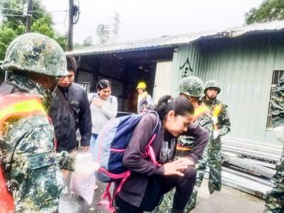 國軍:已助鳳林鎮山興里、鳳信里撤離89鄉民