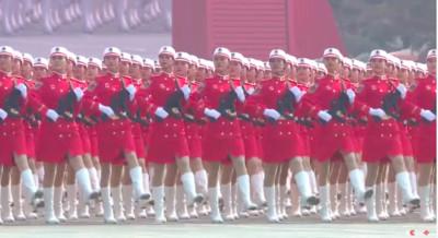 十一閱兵 女兵方隊成嬌點