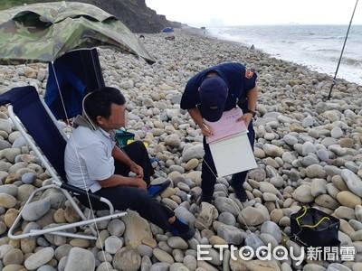 颱風襲觀浪不要命 林口警開7張勸導書