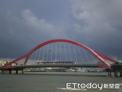 南方澳跨港大橋坍方 東港進德大橋類似設計