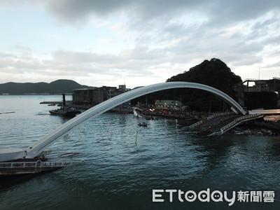 南方澳斷橋阻航道 557漁船受困