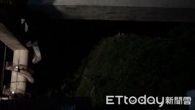 即/船底2人受困…新臺勝266號凌晨將沉