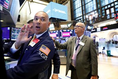 即/美股狂洩近600點 破2萬6大關