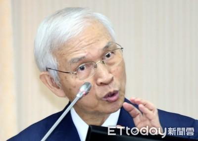 央行總裁楊金龍重申匯率政策 今年出手三次...有買有賣達平衡