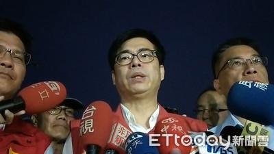 慰問14外籍漁工 陳其邁:每人2萬救助金