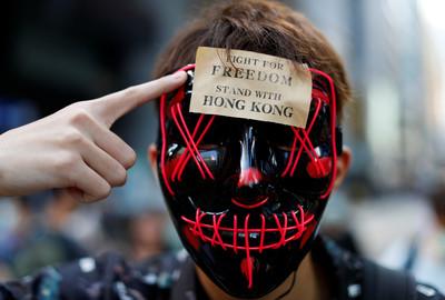 香港挺「禁蒙面」連署逾25萬人參與