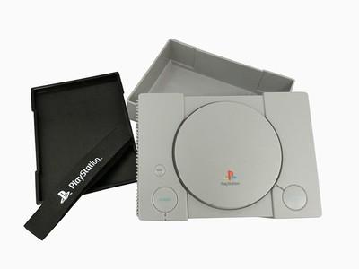 初代PS造型便當盒現身日本