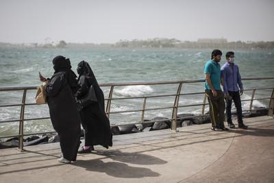 沙國證實 外國男女遊客可同住飯店