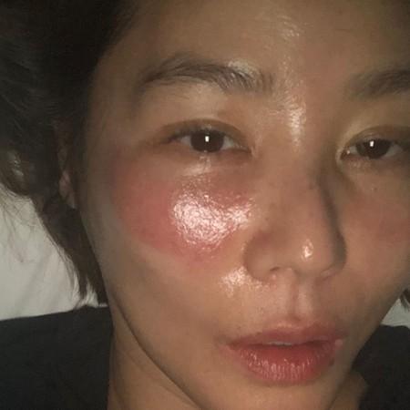 ▲金成鈴今年52歲仍維持良好體態和皮膚狀況,擁有「美魔女」稱號。(圖/翻攝自金成鈴IG)