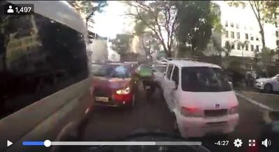 UberEats甩警逆向鑽車飄移 5分鐘後被擊落