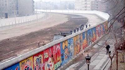 東柏林遭全境封鎖!柏林圍牆歷史回顧:阻隔人們也改變了世界