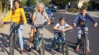揪玩伴「騎腳踏車繞社區」找回失智嬤!10歲童三小時內破案,效率超越警察