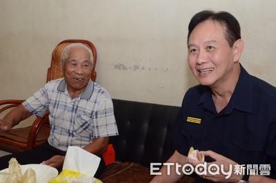 台南市警長關懷總爺派出所所長高齡父母