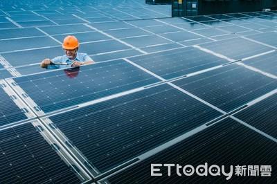 4萬戶家庭一年用電量全靠它 全台最大地面型光電場正式完工