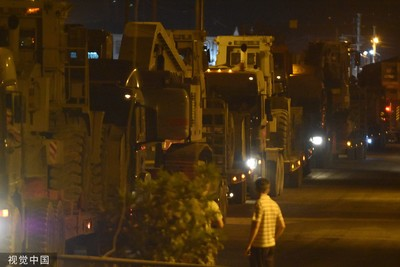 土耳其坦克車隊進駐邊境 畫面曝光