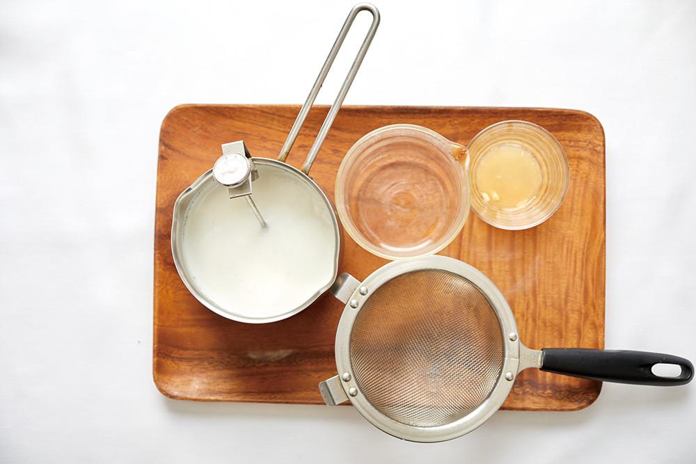 ▲▼書籍《打造毛小孩的美味餐桌:3種自製營養湯頭╳60道健康料理╳可口手工零食》。(圖/台灣東販提供,請勿隨意翻拍,以免侵權。)
