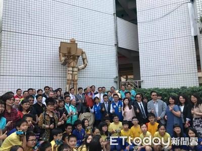 校長徐吉春力推「AI機器人」翻轉國中生人生