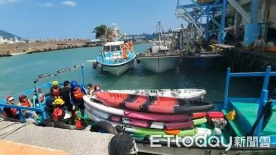 國慶宜蘭海上驚魂 1人手骨折3人船翻12人受困海上