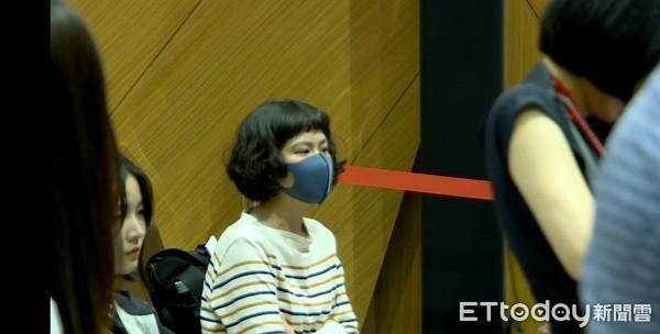 韓國瑜參加高雄電影節 戴口罩民眾嗆聲…林志玲老公AKIRA也在場
