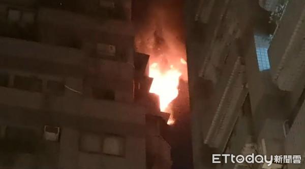 更新/台北信義區深夜大火 林口街社區9樓「全面燃燒」上百住戶奔逃
