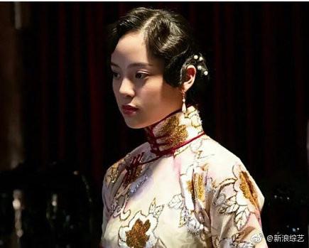 ▲歐陽娜娜在電影《武動天地》中旗袍造型曝光。(圖/翻攝自微博/新浪綜藝)