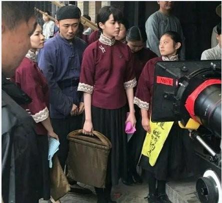 ▲歐陽娜娜在電影《武動天地》中旗袍造型曝光。(圖/翻攝自微博/新浪娛樂)