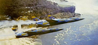 美軍戰機炮彈擊中自己 因為飛太快了!