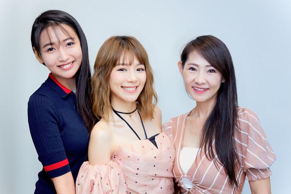 ▲▼林明禎和媽媽、姊姊 。(圖/種子音樂提供)