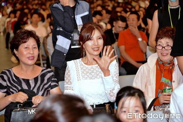 ▲▼ 相馬茜、麻吉黃立成、林智文來看李玖哲演唱會 。(圖/記者張一中攝)