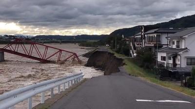 千曲川水位上升 發布疏散指示