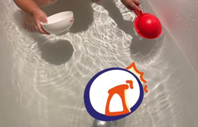 超Q姊妹泡澡玩水 在浴缸玩「條狀物」爸爸傻眼