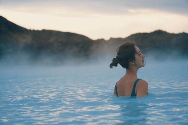 ▲隋棠和老公冰島旅行。(圖/翻攝自Facebook/隋棠)