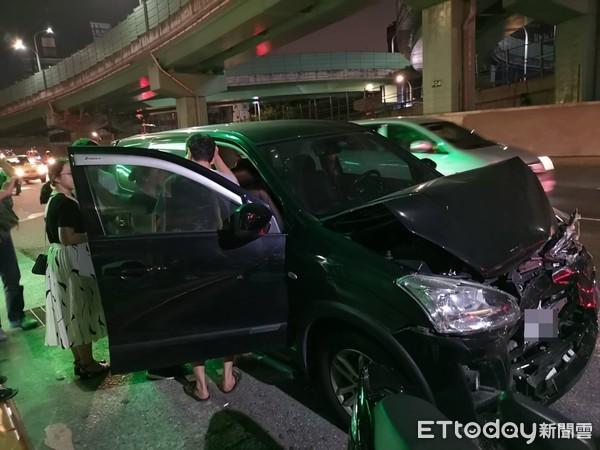 ▲▼士林Uber Eats送餐員遭撞無生命跡象 。(圖/記者黃彥傑攝)