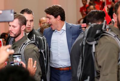 加拿大總理傳安全威脅 穿防彈背心競選