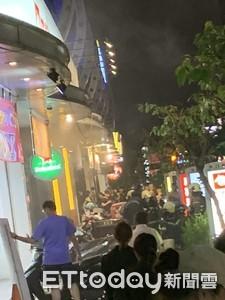 高雄澄清路燒烤店火燒