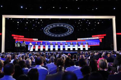 史上最大規模 民主黨辯論12人互嗆