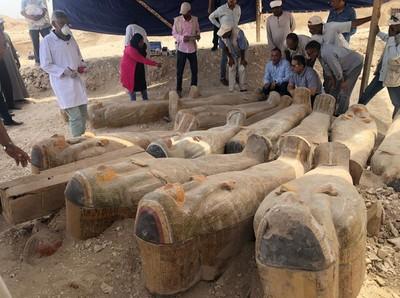 埃及出土20具千年古棺木!