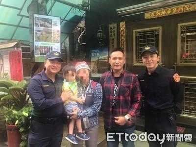邰智源、坤達體驗警察 巧遇媽媽弄丟2歲童