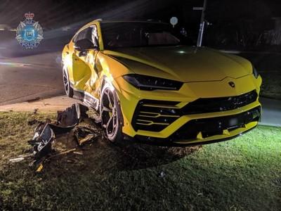 要價800萬元的追風之旅 14歲澳洲偷車屁孩怒撞藍寶堅尼Uurs