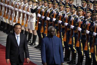 衛報:索國議員稱中國、台灣都行賄