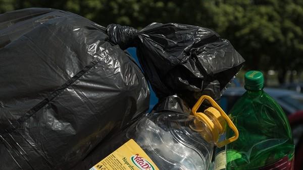 ▲▼垃圾袋,垃圾,塑膠袋。(示意圖/取自免費圖庫Pixabay)