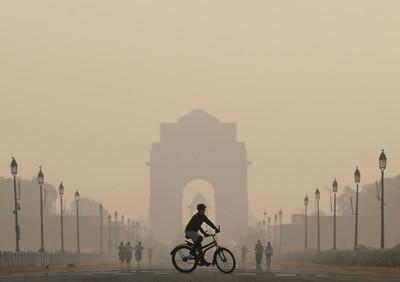 4萬跑者參加新德里路跑有如吸毒氣
