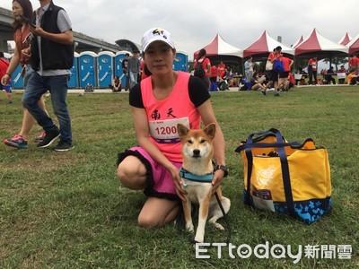 10K馬拉松「少女柴」領頭跑第一