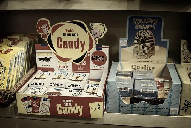 ▲香煙糖,香菸糖,煙仔糖,糖果,香菸。(圖/翻攝自維基百科)