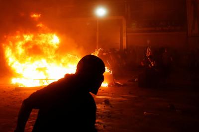 反地鐵票漲價抗議升溫 智利宣布宵禁