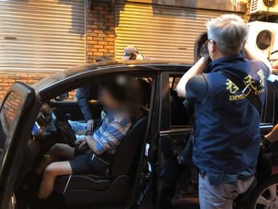 移民署突襲 攔獲10名逾期移工