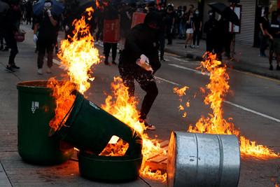 胡錫進:遊行示威不是什麼好事