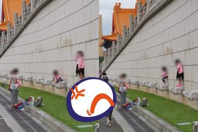 媽叫女兒踩「中正紀念堂龍頭」拍照 網氣炸